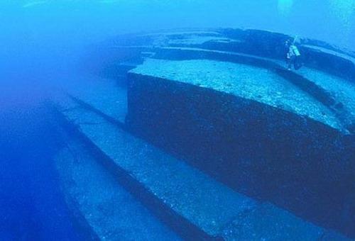 подводный город Япония