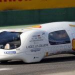 Автомобиль, который тратит 1 литр бензина на 3600 км
