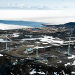 Наземная станция в Антарктиде оборудована ветряками