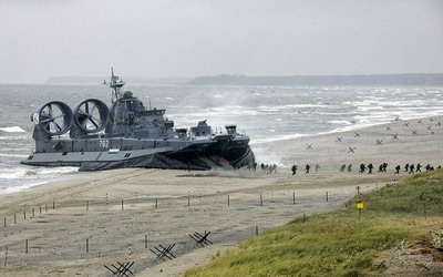 Большой военный корабль