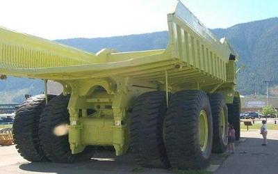 самый большой грузовик в мире