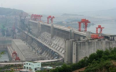 самая большая ГЭС