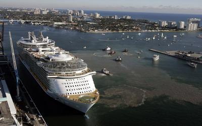 Oasis of the Seas - самый большой лайнер в мире