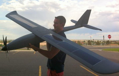 Американский беспилотник Silent Falcon с солнечными панелями