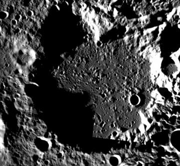 -249°C - самая холодная температура в Солнечной системе на Луне