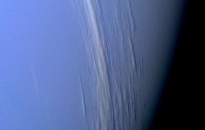 Скорость самого сильного ветра на Сатурне достигает 1800 км/ч