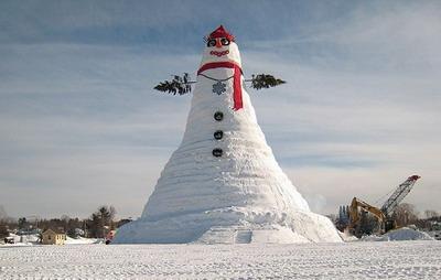 Olympia Snow Woman - самый большой снеговик в мире