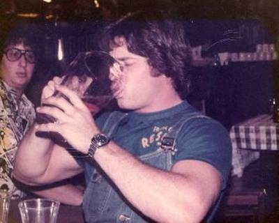 Чемпион по скоростному выпиванию пива
