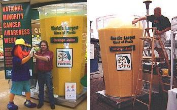 Гигантский бокал, наполненный апельсиновым соком (Портленд)