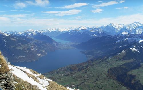 Вид на озера с верхней точки горы