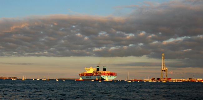 Mærsk Mc-Kinney Møller - самый большой морской контейнеровоз
