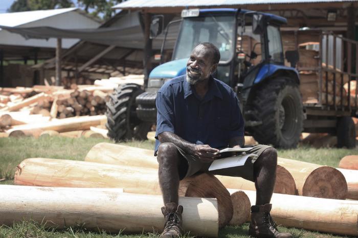 John Ohana - управляющий на одной из плантаций бальзы в Папуа-Новой Гвинеи