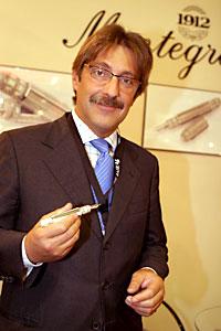 Президент компании Montegrappa синьор Серджио де Бон
