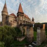 Замок Корвинов (Румыния)