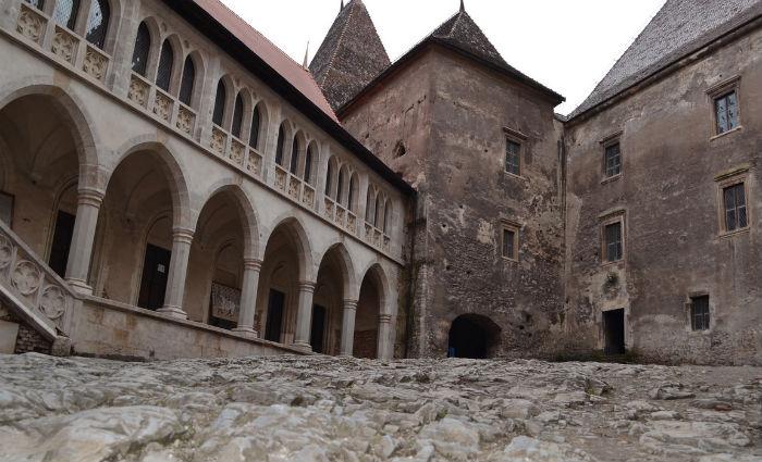 Corvin Castle1