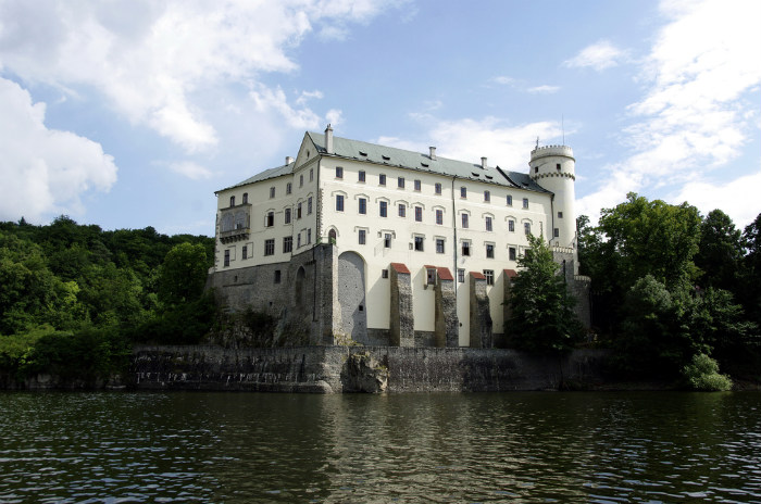 Orlík Castle1