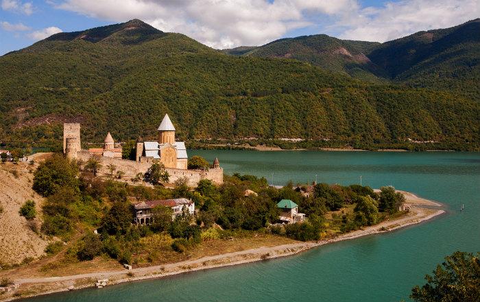 kreposti-gruzii