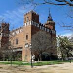 Замок трёх драконов в Барселоне