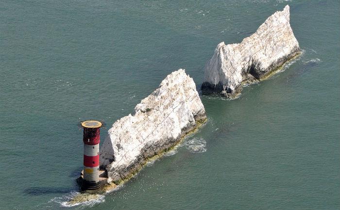 needles-lighthouse1